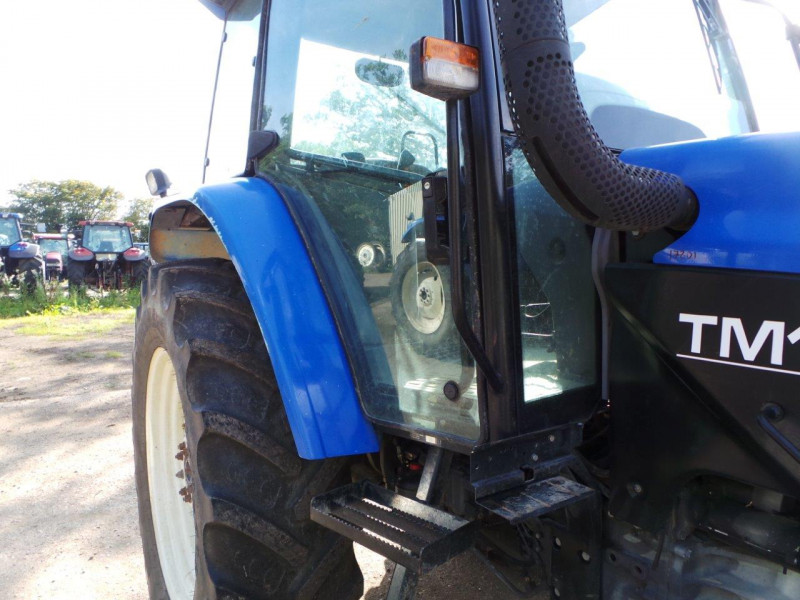2001 New Holland TM125